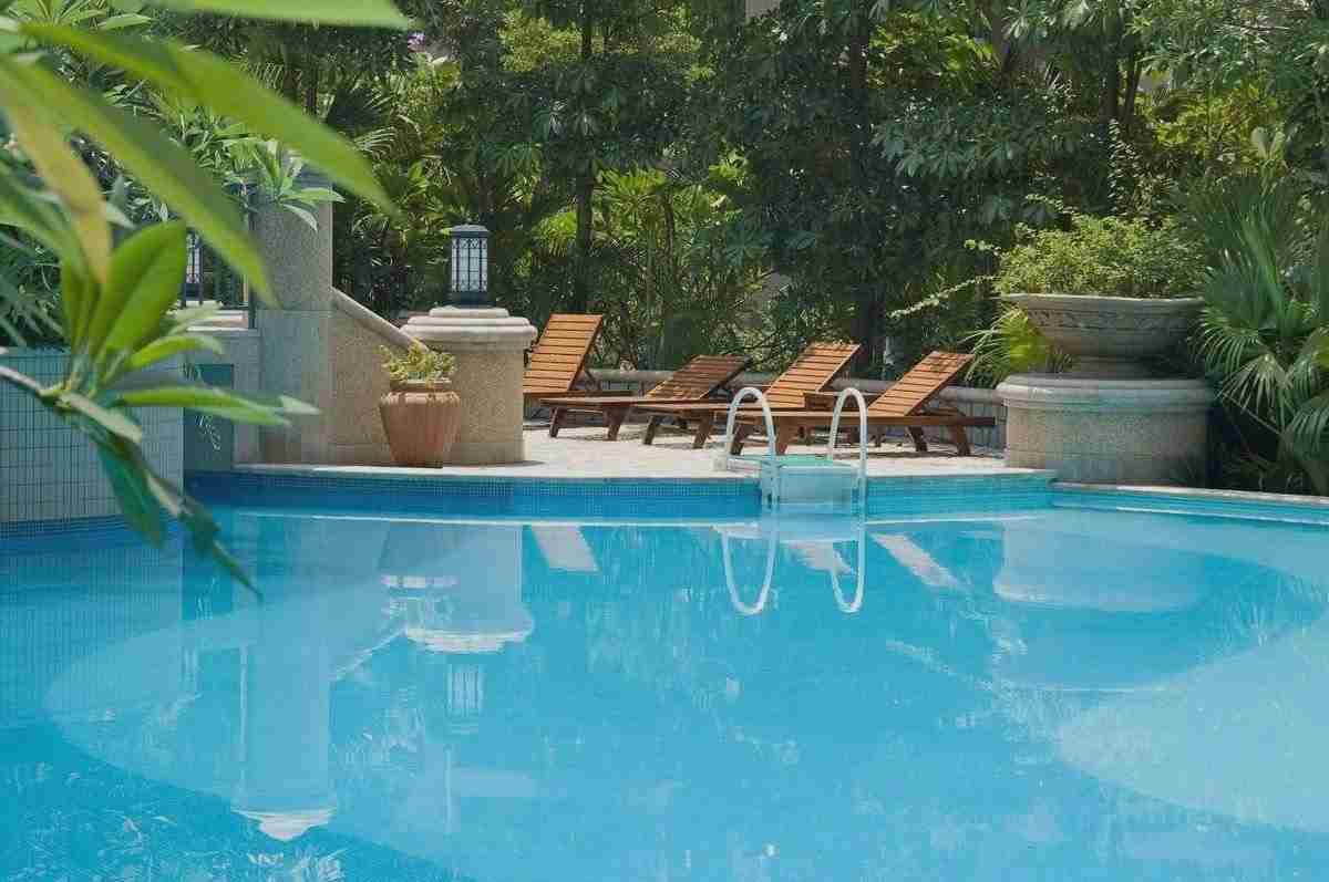 Laghi giardino impianti irrigazione interrati fontane moderne - Swimming pool pictures ...